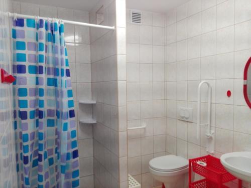 Łazienka pokoju 4-os. zewn.